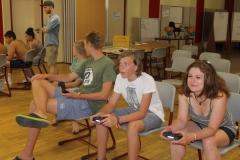 """Im Workshop """"Gaming"""" dürfen die Teilnehmer*innen auch selbst an die Konsole."""