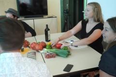 Mit Zora wird neben dem Kochen auch viel über gesunde und bewusste Ernährung gesprochen.