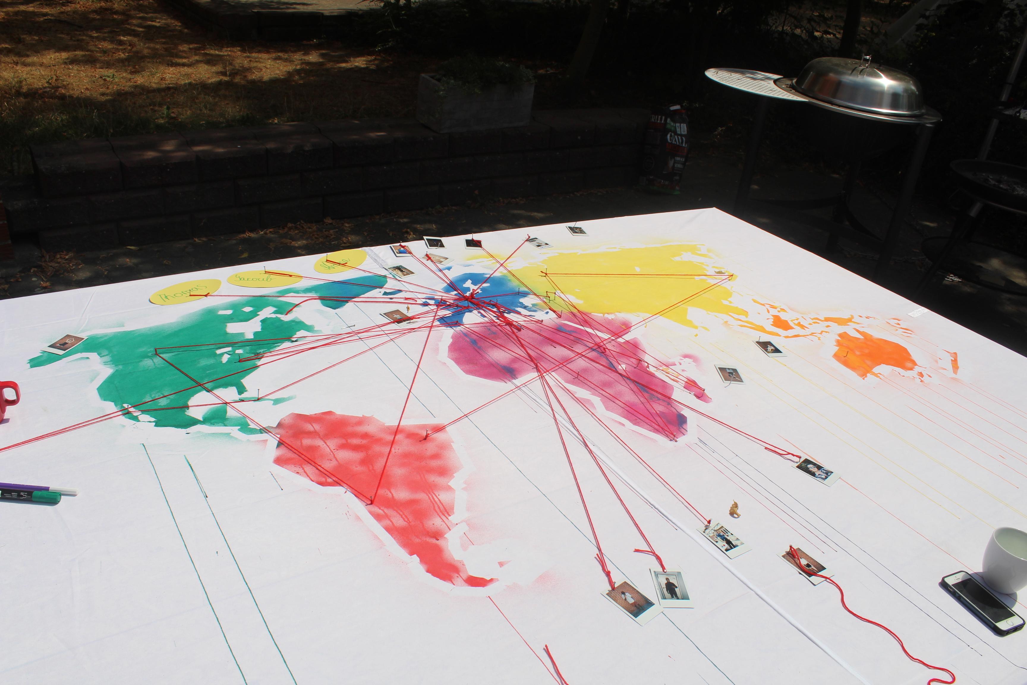 Jeder konnte sich auf der Weltkarte aus dem Making-Workshop verewigen.